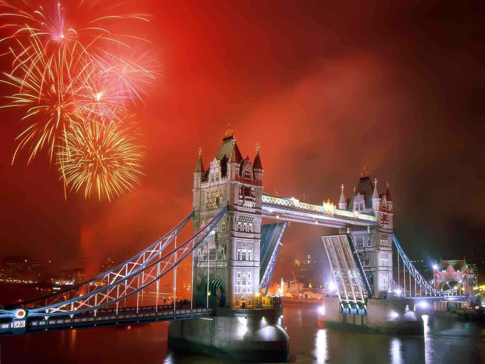 A Happy New Year: Spend NYE in London 1